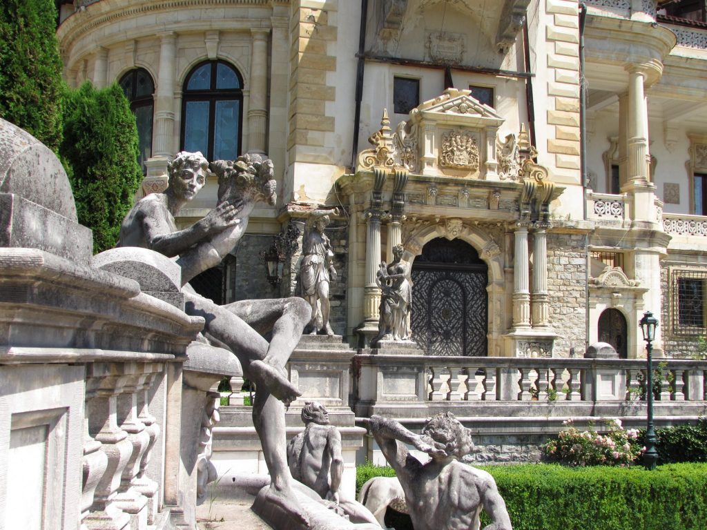 Jardines del castillo de Peles