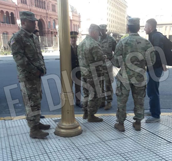 US Marines frente a Casa Rosada