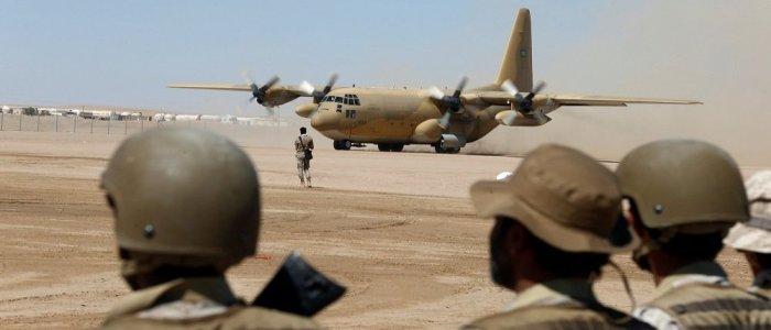 الإمارات تعلن اختراق الصفوف الأمامية لأنصار الله في محيط مطار الحديدة