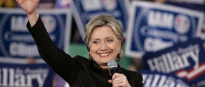 تجريد هيلاري كلينتون ومساعديها من صلاحياتهم الأمنية