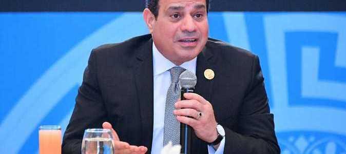 """السيسى يستعرض مع مسئولى """"مرسيدس"""" فى ميونيخ استئناف نشاط الشركة فى مصر"""