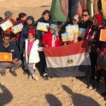 سياح فيتناميون يرفعون علمى بلادهم ومصر فى رحلة بالون طائر بالأقصر