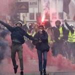 فرنسا تعتقل 100 من السترات الصفراء