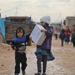 اللاجئون السوريون يموتون في المخيمات بسبب الطقس المتجمد