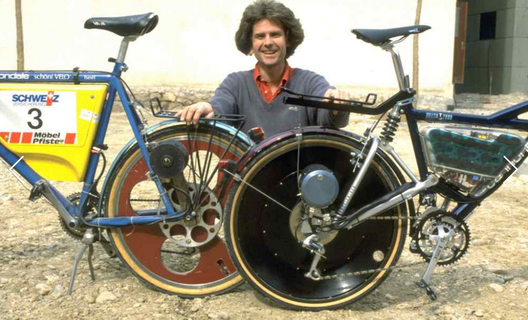 Michael Kutter in 1989 with his first and second pedelec prototypes.