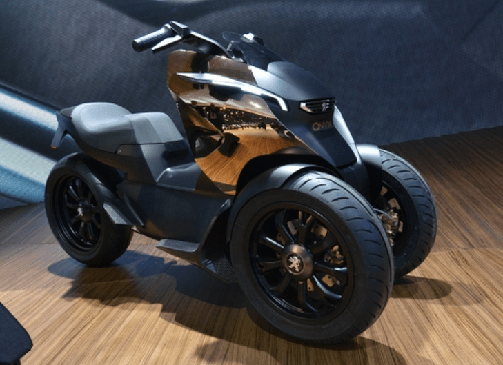 Peugeots Gasoline-Electric 3-wheeled hybrid motorcycle.