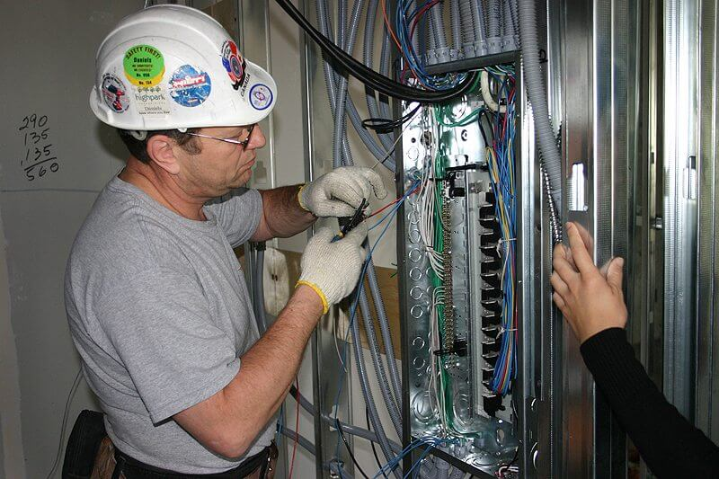 journeyman electrician job description and training - Responsibilities Of An Electrician