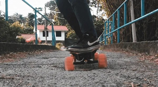 Riding over a pothole with 105mm Cloudwheels Donuts