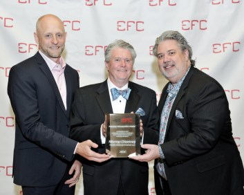 Murray Chamney accepts 2019 industry recognition award