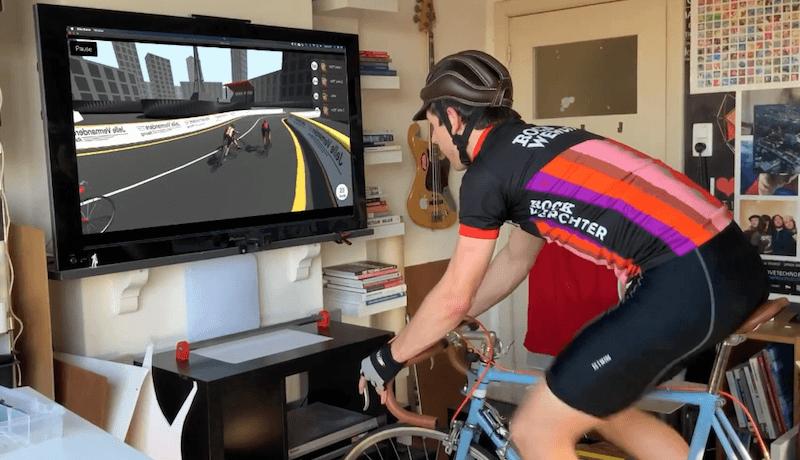 este juego de ciclismo esta controlado por una bicicleta real 5ecdb5be7476c - Electrogeek