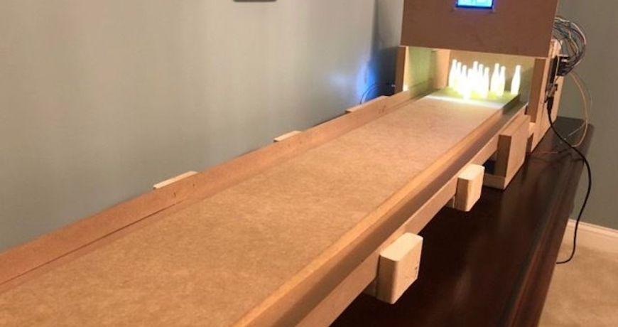 un juego de bolos de mesa con puntuacion automatizada 5ef3f142de495 - Electrogeek