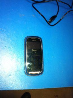 Pantech P7000 cell phone