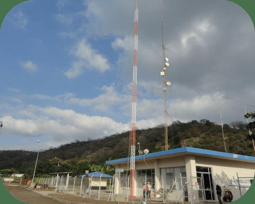 Instalación de torre de telecomunicaciones