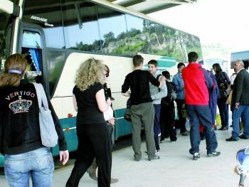 Δεν έχει πληρώσει η Περιφέρεια για 2011 και 2012: Σταματά την μεταφορά μαθητών το ΚΤΕΛ