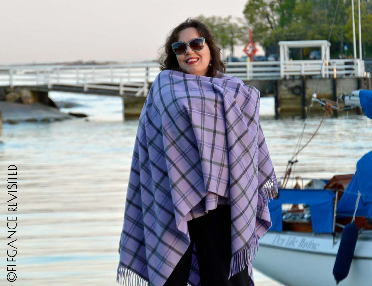 how to wear a poncho over 40