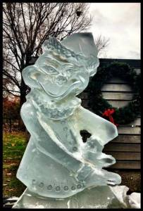 Grinch 1 block ice carving