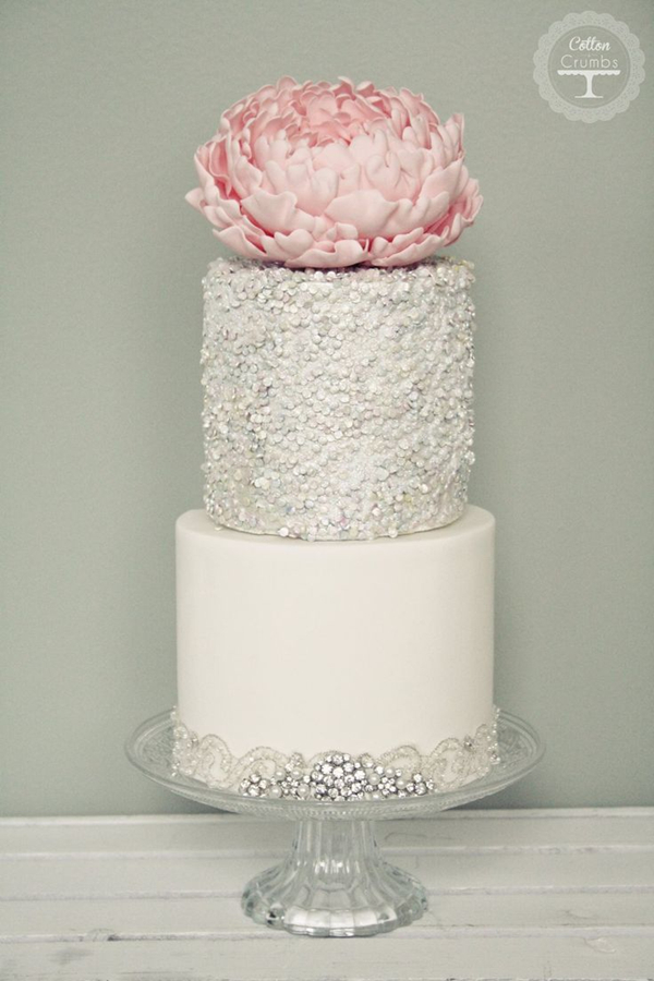 24 Fab Glittery And Sparkling Wedding Cake Ideas For 2016     sparkle silver wedding cakes with exceptional details