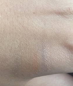 Stila perfecting concealer swatch d