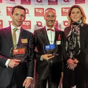 Niels Konijn , Erik Weijzig en Marlies van der Horst tonen de awards