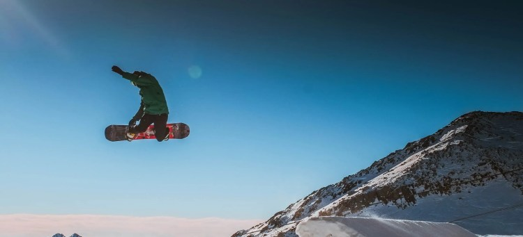 10 of the best snowboarding logos