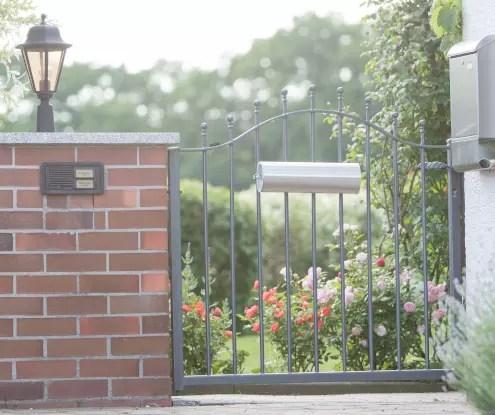 Gartenzaun in pulverbeschichteter Ausführung mit Spitze Kugelstab