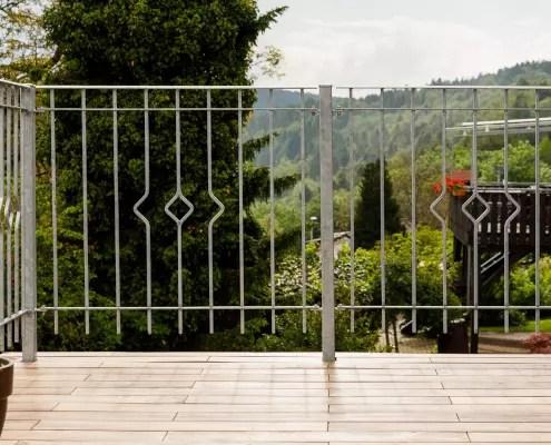 Geländer Portofino in feuerverzinkter Ausführung zur Absturzsicherung