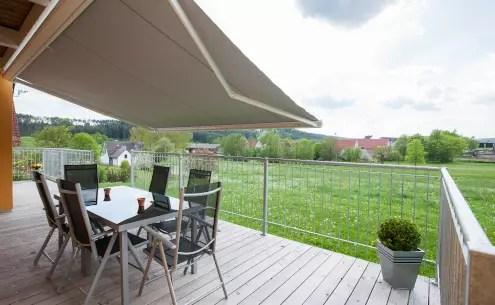 Gartengeländer auf Terrasse