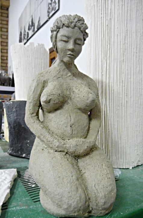 ébauche femme enceinte - sculpture argile