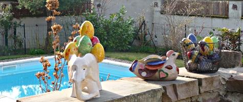 éléphant de Pâque, poule oiseau pigeon féérique, oeufs