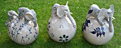 """Pousses d'éléphants """" Printemps - été - automne"""" © 2010 Michèle Ruffin"""