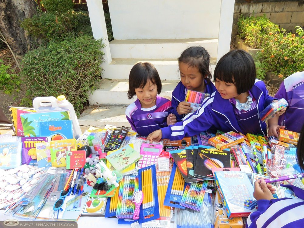 The young students at Baan Mae Tob Nuea School were simply amazed by the books and stationery from all over the world!