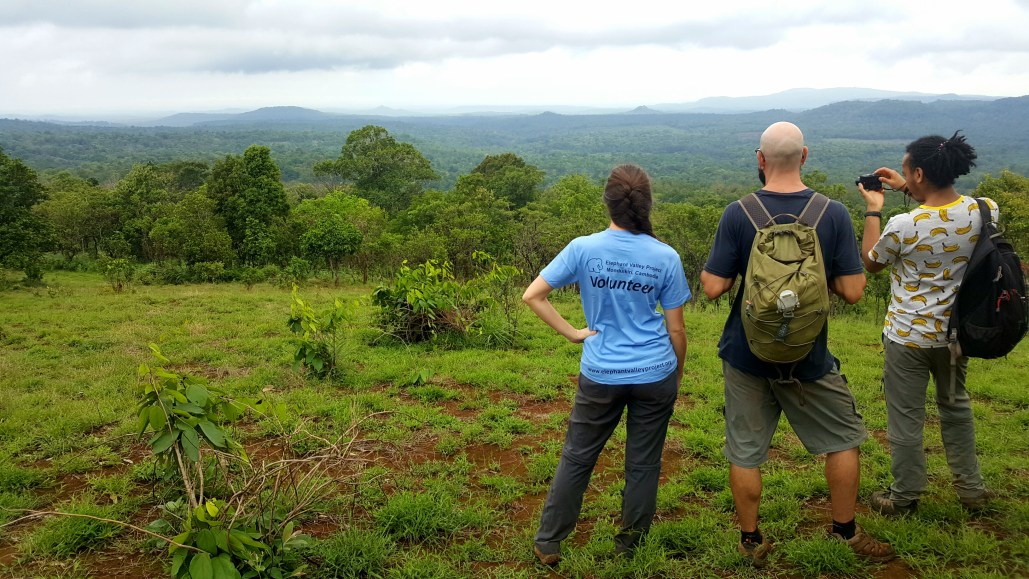 Volunteers Elephant Valley Project Mondulkiri Cambodia