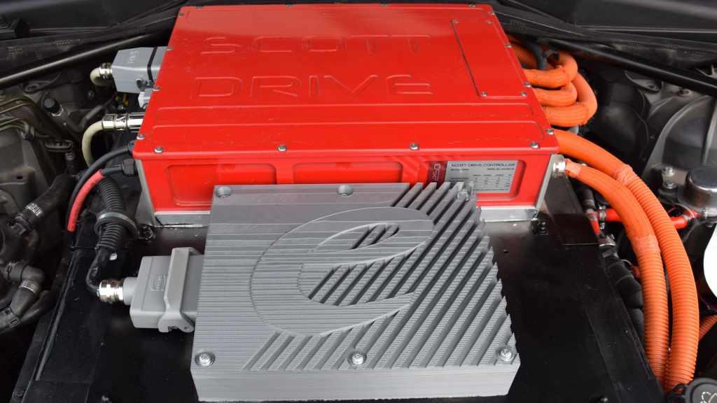6er elerra Cabrio Elektroauto Motorraum
