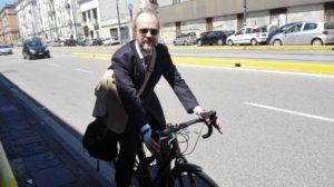 6572 Ciclista urbano 01