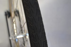 6969-montare-copertoncino-bicicletta-08