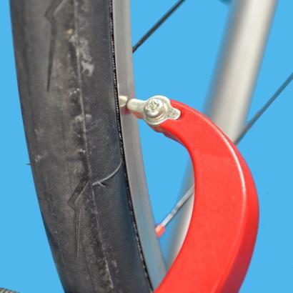 Come eseguire la centratura laterale di una ruota riferimento tocco