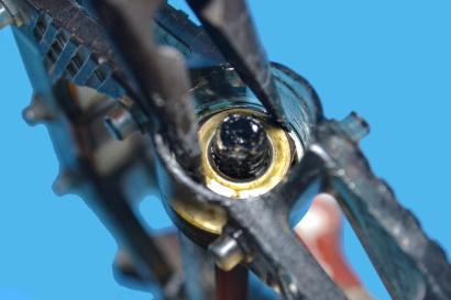 Manutenzione dei pedali flat svitare cono