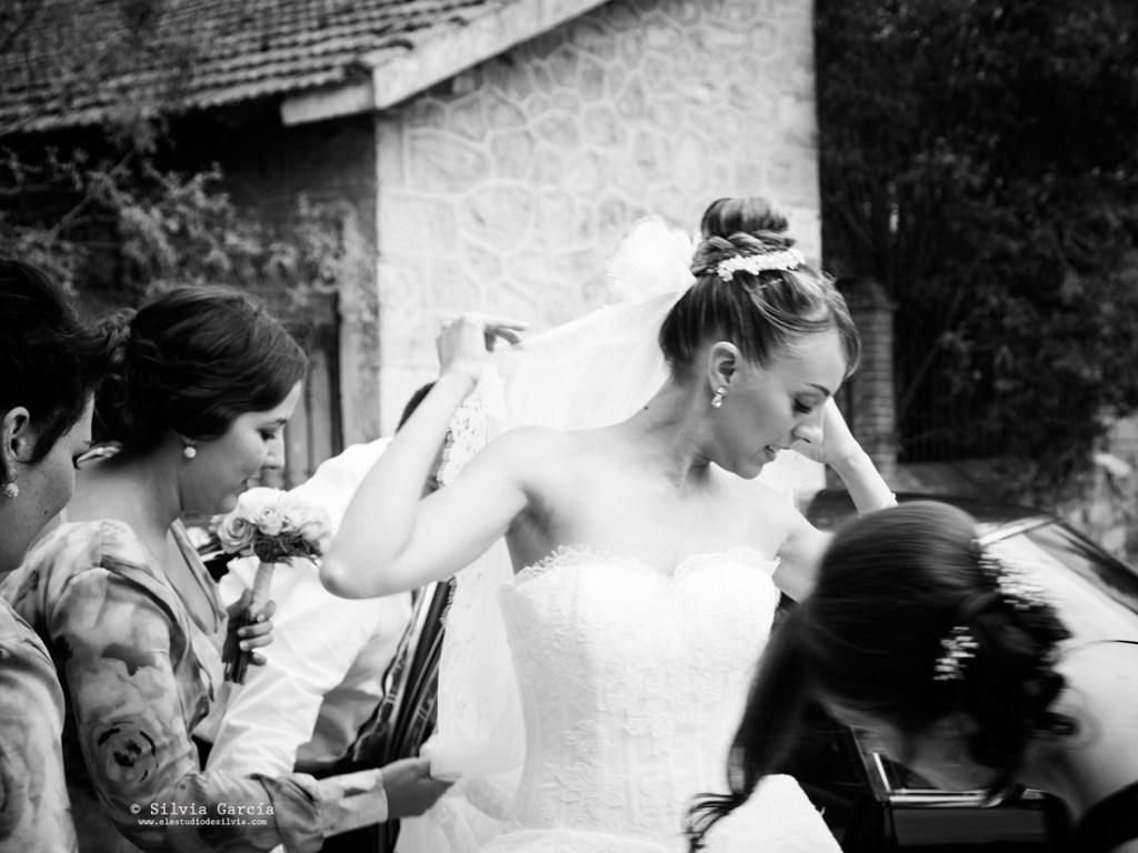 Boda de Isa y Felipe, fotos de boda diferentes, fotografía de bodas Moralzarzal, fotografo de bodas Moralzarzal