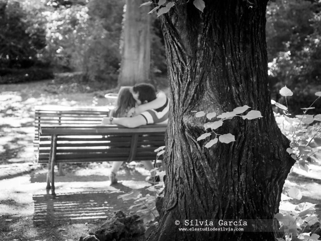 _mg_9971bn, preboda en Madrid, preboda en el Campo del Moro, fotos de pareja naturales, fotografia de boda Madrid