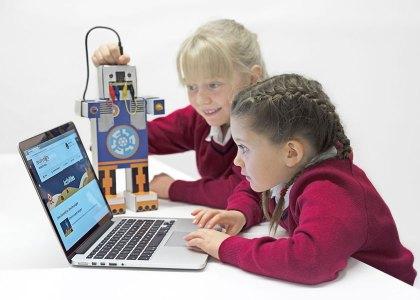 FARNELL_Education-Pages-hi-420x300 Farnell element14 aiuta gli insegnanti a colmare il divario nelle competenze digitali