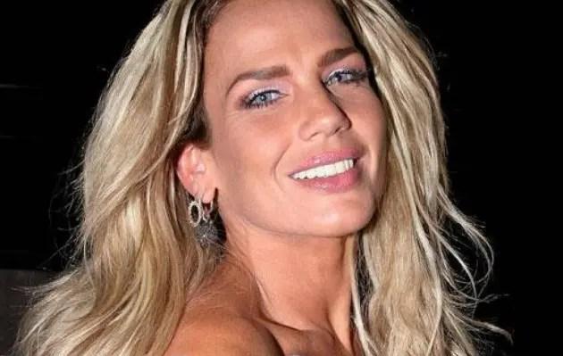Niurka Marcos Mostró Sus Senos Al Desnudo En Plena Entrevista
