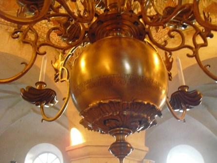 Ljuskrona i St Skedvi kyrka, andra sidan