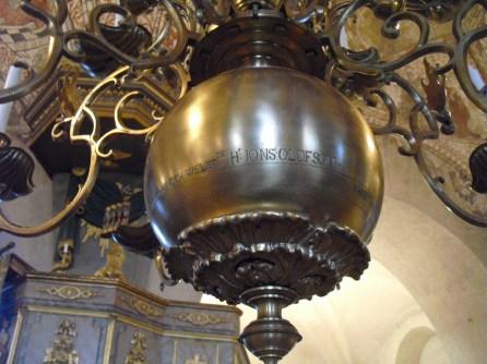 Ljuskrona i St Skedvi kyrka, detalj