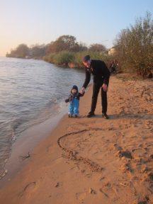 ...mit Papa an der Elbe