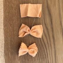 Filzpasta und Lebensmittel für die Kinderküche selbermachen.Eine einfache schnelle Anleitung für Pasta, Eier und Käse, die ihr aus Filz basteln könnt.Noch mehr schöne Ideen findet ihr auf www.elfenkindberlin.de