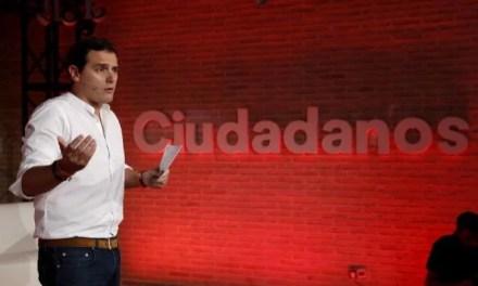 Ciudadanos no es un partido con democracia interna como Podemos. MENTIRA