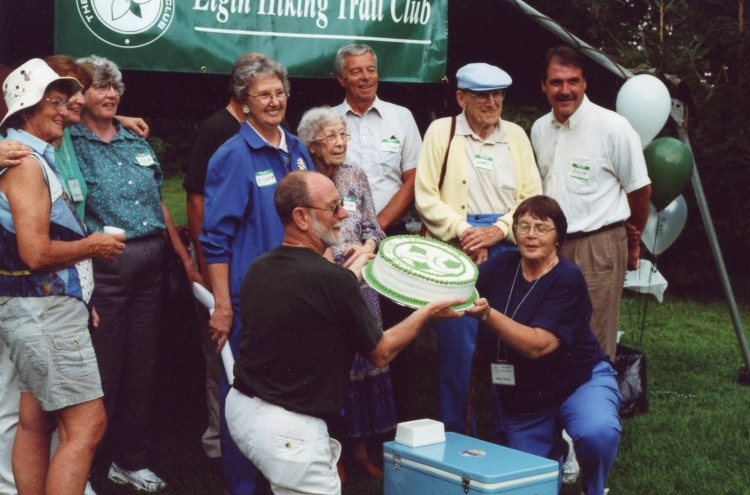 Olga, Loretta, Lydia, Marion, John Wise, Henry and Steve Peters. Henk and Marg with cake.