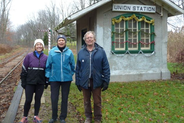 Wendy, Phyllis and  Tom at Santa's way station in Union.