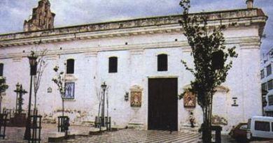 Fachada lateral de la Parroquia de la Divina Pastora