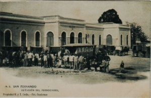Estación de eñ ferrocarril. Puerta principal